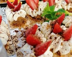 Présentation buffet: Tiramisu aux  Fraise sur un choux.