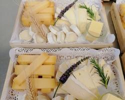 Plateau de fromage sur un Buffet